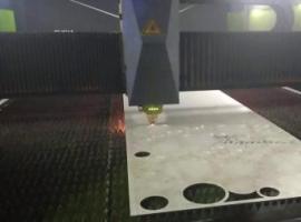 不锈钢激光屏风激光切割过程视频