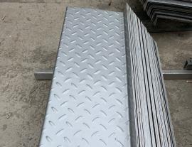 郑州不锈钢楼梯踏步加工